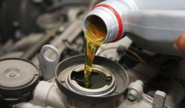 Cambio olio per motori a benzina e Diesel